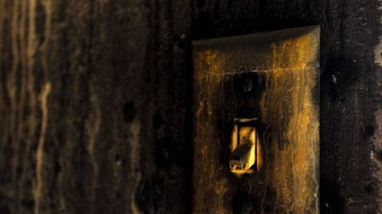 Signs Your Light Switch is Beginning to Break
